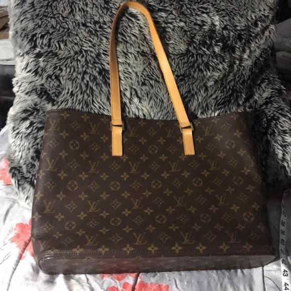 Louis Vuitton Handbags - Authentic Louis Vuitton Monogram Luco tote 8c129baa678cb